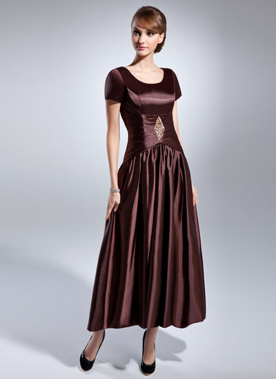A-Line/Princess Scoop Neck Charmeuse Short Sleeves Ankle-Length Ruffle Beading Mother of the Bride Dresses (008211379)