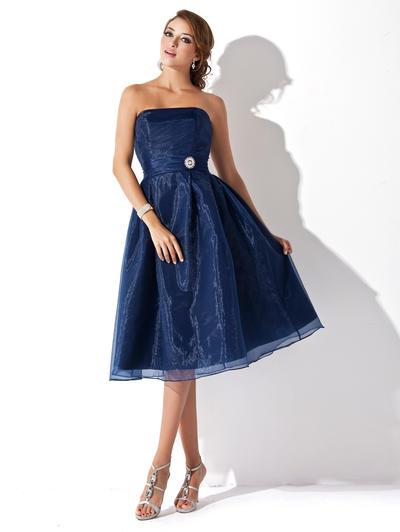 Organza Sleeveless A-Line/Princess Bridesmaid Dresses Strapless Ruffle Crystal Brooch Knee-Length (007001812)