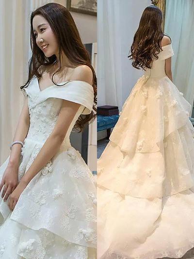 Elegant Court Train Ball-Gown Wedding Dresses Off-The-Shoulder Organza (002210918)