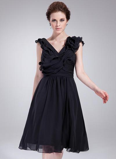 A-Line/Princess V-neck Chiffon Sleeveless Knee-Length Ruffle Flower(s) Cocktail Dresses (016211090)