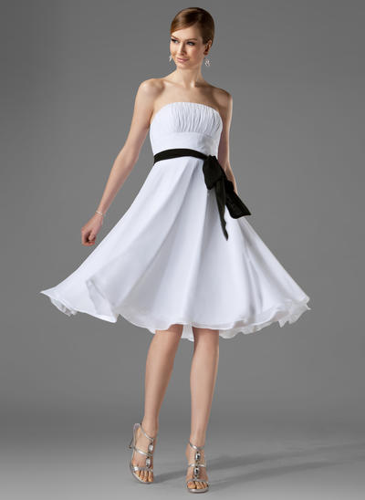 Chiffon Sleeveless A-Line/Princess Bridesmaid Dresses Strapless Ruffle Sash Bow(s) Knee-Length (007000954)