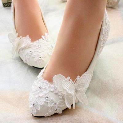 Women's Closed Toe Pumps Low Heel Leatherette With Rhinestone Sparkling Glitter Flower Lace-up Wedding Shoes (047207459)