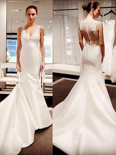 Flattering Court Train Trumpet/Mermaid Wedding Dresses V-neck Satin Sleeveless (002148029)