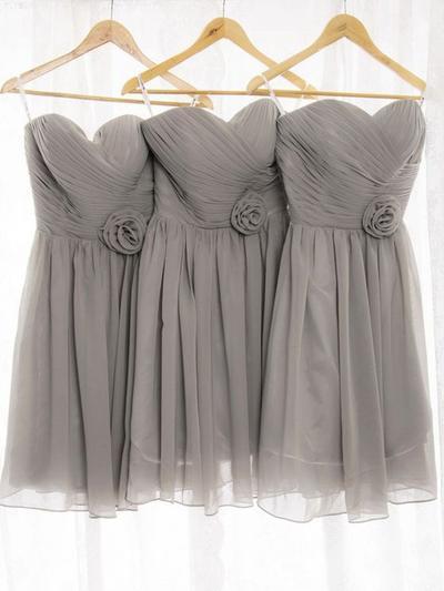 Chiffon Sleeveless A-Line/Princess Bridesmaid Dresses Sweetheart Ruffle Flower(s) Knee-Length (007212243)