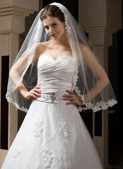 Fingertip Bridal Veils One-tier Mantilla With Lace Applique Edge With Applique Wedding Veils (006151169)