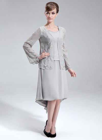 A-Line/Princess V-neck Chiffon Sleeveless Asymmetrical Beading Mother of the Bride Dresses (008006093)