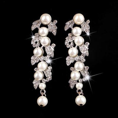 Earrings Alloy/Rhinestones/Imitation Pearls Imitation Pearls Pierced Ladies' Wedding & Party Jewelry (011167470)