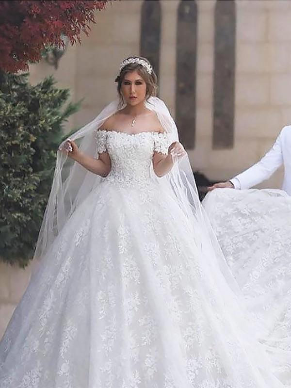 1ab2cb4cb46d2 Sexy Off-The-Shoulder Ball-Gown Wedding Dresses Court Train Tulle Sleeveless  (. Loading zoom
